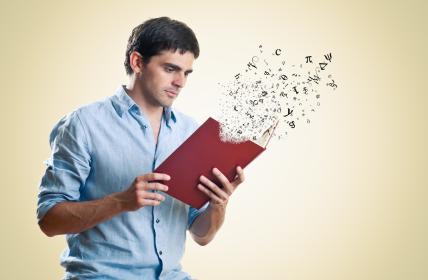 homem-lendo-livro