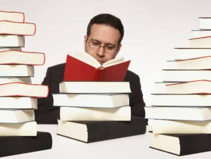 homem-lendo-livro3